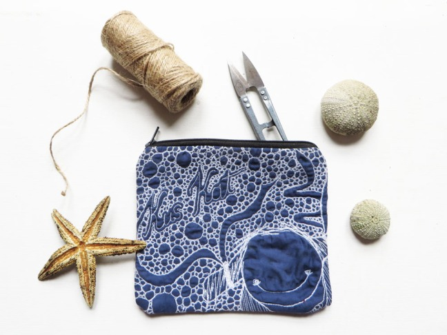Quilted pouch blue illustration threadpainted size
